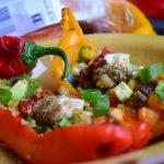 Gevulde puntpaprika met groenten en couscous
