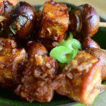 Borreltijd: gemarineerde tempeh en champignon spiesjes
