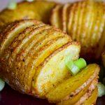 Vegan hasselback aardappelen